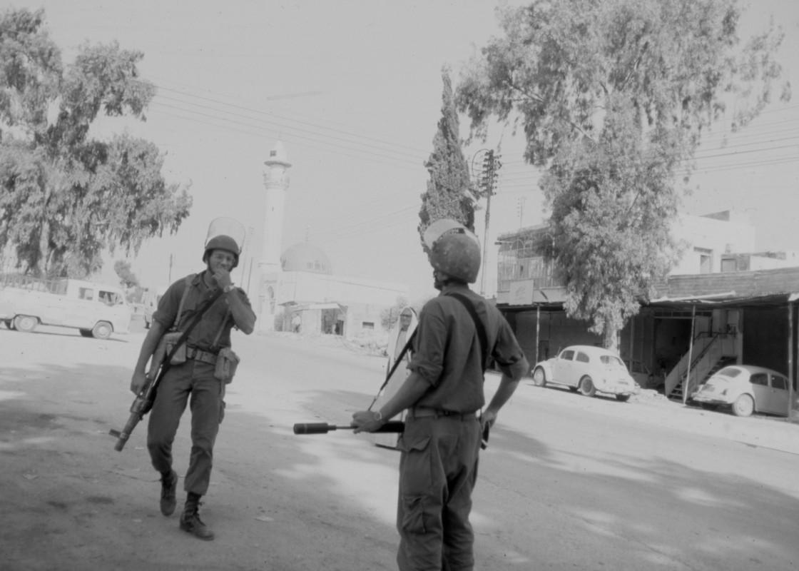 Palestine1989Proj-047