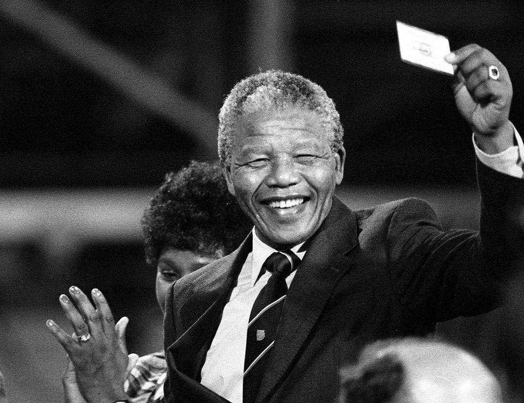 Mandela1990Rouge034